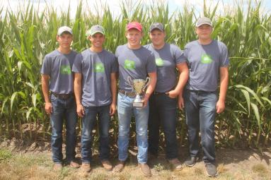 Clayton County Team #1 wins second place at 2017 Iowa Crop Scouting Competition